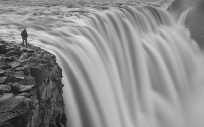On The Edge - Dettifoss Selfie